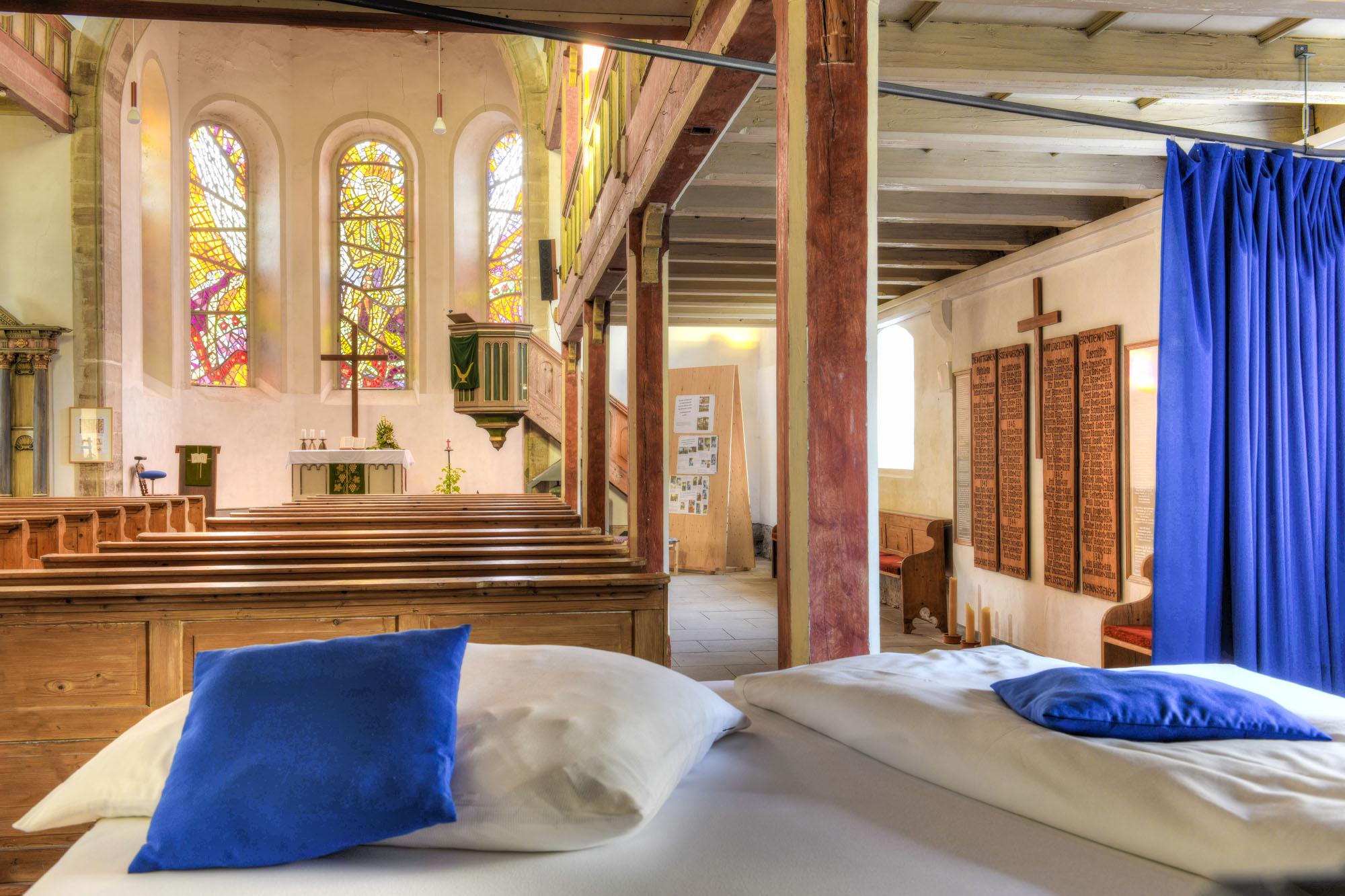 Welt: Eine Nacht in der Her(r)bergskirche