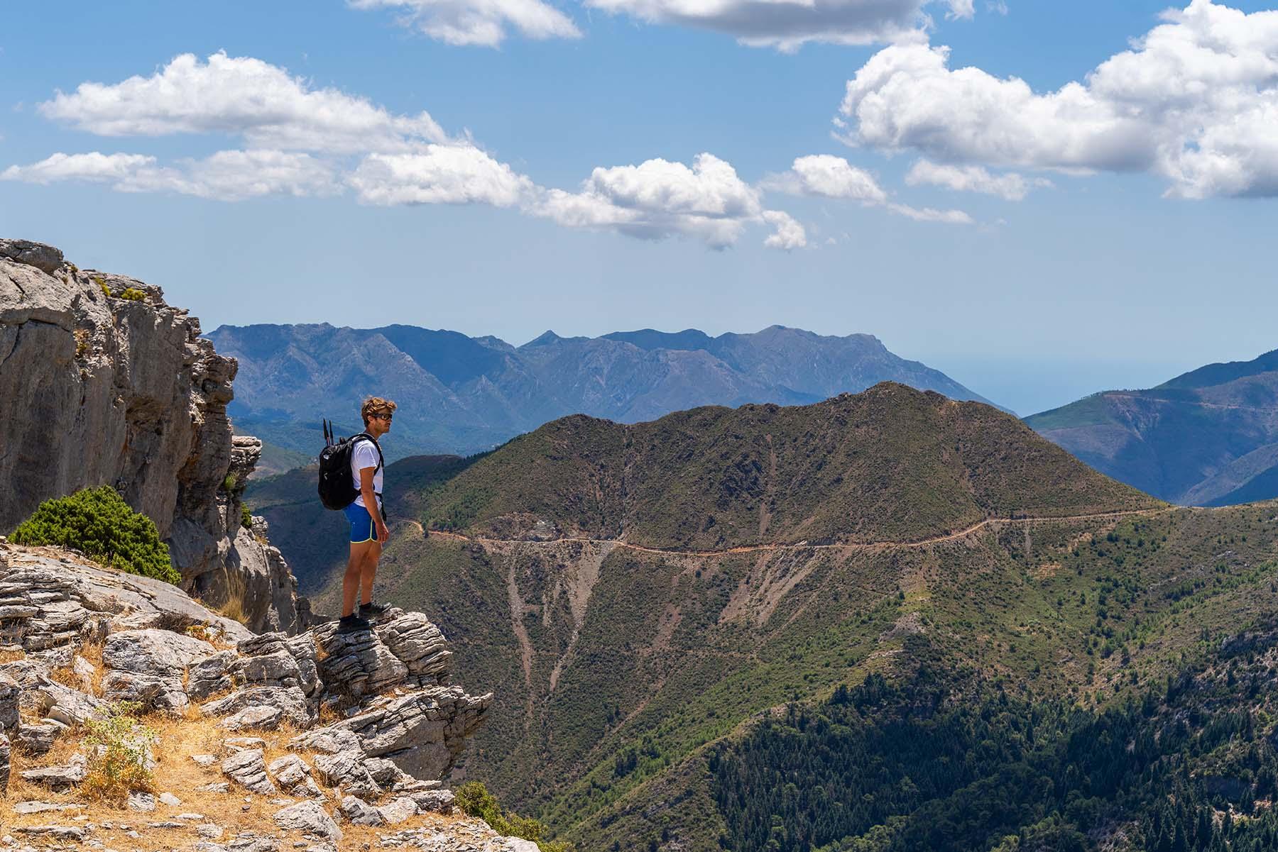 Foto eines Wanderers in der Sierra de las Nieves